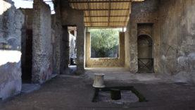 Casa del Larario di Achille3