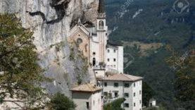 SANTUARIO DELLA MADONNA DELLA CORONA (Veneto)