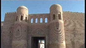 UZBEKISTAN: Khiva (le mura)