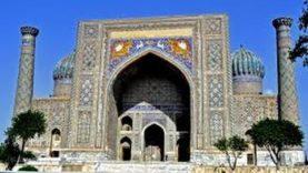 UZBEKISTAN: Samarcanda (Registan)